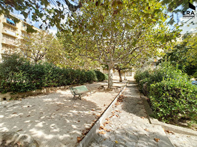 A VENDRE APPARTEMENT TYPE 4 DANS COPROPRIETE FERMEE PARKING ST BARTHELEMY 13014 MARSEILLE
